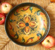 Antique Scandinavian rosemaling, hand carved wooden bowl.