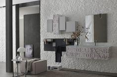 En avant-première, les différents shots du nouveau catalogue La Fenice Decor, d'Arcom Arredobagno. Il s'agit d'une collection de meubles pour la salle de bain présentant des sérigraphies dans 4 finitions différentes. Seront également disponibles du papier peint, du carrelage, du textile et des accessoires de la collection Dress Up dans les mêmes finitions. La combinaison de formes, modèles et finitions dessinent, ainsi, un look totalement coordonné, expression du style de vie contemporain.