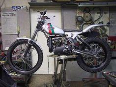 Ossa Mx Bikes, Sport Bikes, Vintage Bikes, Vintage Motorcycles, Motos Trial, Trail Motorcycle, Trial Bike, Bike Rider, Trail Riding