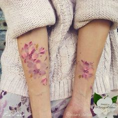 #botanicaltattoo #flowertattoo #floraltattoo #naturetattoo #watercolourtattoo…