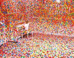 Colours, dots and space - Yayoi Kusama