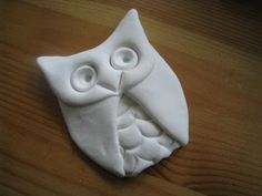 How To Make a Quick Clay Owl tutorial Clay Owl, Owl Crafts, Clay Crafts, Stone Crafts, Animal Crafts, Art For Kids, Crafts For Kids, Crea Fimo, Model Magic
