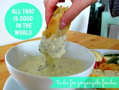 Die For Gorgonzola Fondue with Peter Reinhart's Herbed Focaccia Bread - This is pretty much what all my dreams are made of Appetizer Dips, Appetizers For Party, Appetizer Recipes, Flour Recipes, Dip Recipes, Cooking Recipes, Funeral Sandwiches, Fondue Party, Good Food