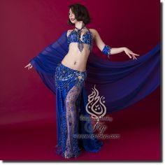 Design by Bella / Model: TIDA / Fig Belly Dance / World Wide Shipping #figbellydance #bellydancecostume #worldwideshipping