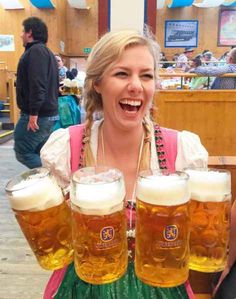 That server you're dating? They can carry the weight of the world in their hands. Octoberfest Girls, German Oktoberfest, Munich Oktoberfest, Beer Girl, German Beer, Beer Festival, Beer Mugs, Best Beer, Juicing