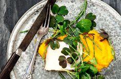 Fisk med gulerodsmos, skovsyre og salturt