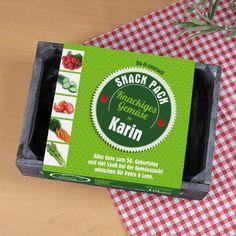 DIY Holzkiste mit persönlichem Aufdruck und Saatgut für 1qm Gemüsegarten