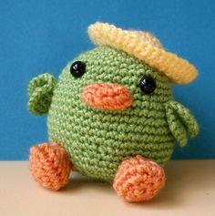 """Nuestro simpático amiguito se llama """"Pájaro Campestre"""" y le encanta estar todo el día al aire libre. Con sus animados colores y su sombrero no duda en darse, siempre que puede, una vuelta por el ca..."""