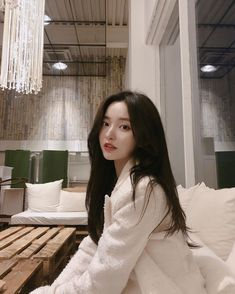 comely u market open ~ Korean Beauty Girls, Pretty Korean Girls, Cute Korean Girl, Beautiful Asian Girls, Asian Beauty, Korean Girl Ulzzang, Couple Ulzzang, Mode Ulzzang, Korean Best Friends