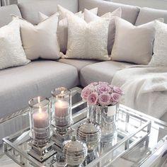 D e t a i l s  | #livingroom #flowers #stue #interiors #interiør #shabbyyhomes #hem_inspiration #interior9508 #interiorwarrior #interior_and_living #interior123 #interior125 #interior444 #interior4all #interiordesign #interior4you #inspire_me_home_decor #interior2you #interiorandhome #finahem #hem_inspiration #ninterior #interiorstyled