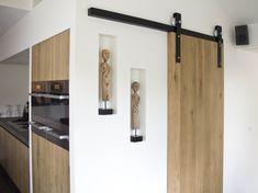 Hanging track door - for bathrooms. Industriële schuifdeur naar bijkeuken