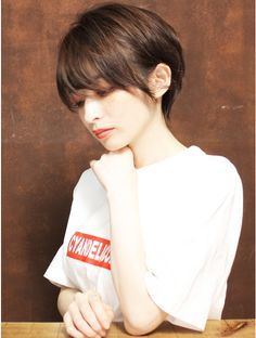 Many people believe that there is a magical formula for home decoration. Korean Short Hair, Short Hair Cuts, Short Hair Styles, Boyish, Bad Hair Day, Sexy Shorts, Hair Inspo, Bob Hairstyles, New Hair