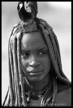 Africa | Himba woman. Epupa Falls, Namibia | ©Francesco Tosi