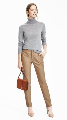 Add a touch of luxury to your look with our ostrich feel crossbody handbag | Banana Republic