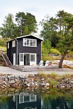 Some of our team will be heading to a lake house site visit next week, which means it's getting closer to being finished! This charming lake house from makes me sooo happy. Haus Am See, Coastal Cottage, Coastal Style, Swedish Cottage, Lake Cottage, Cottage Living, Cabins And Cottages, Small Cottages, Cabins In The Woods