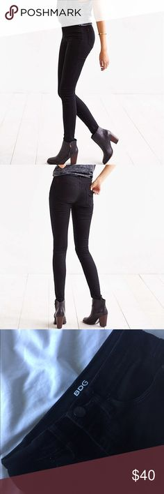 BDG Black Twig High-Rise Skinny Jeans BDG by Urban Outfitters Twig High Rise Skinny. Size 25w and 29l. Worn a couple of times and still in great condition. I'm actually a size 26 so they were a little tight for my liking. Feel free to ask questions and make offers!🌵🌸 Urban Outfitters Pants Skinny