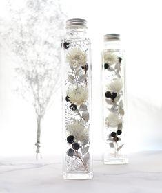 ハーバリウム:冬のモノトーン Interior Paint Colors For Living Room, Perfume, Flower Aesthetic, Scotch Whisky, Cute Food, Bath Salts, Botanical Art, Really Cool Stuff, Fun Crafts