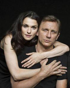 Daniel Craig and Rachel Weisz embrace Harold Pinter - Celebrity News - Showbiz - London Evening Standard