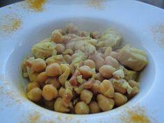 Garbanzos con pollo al curry