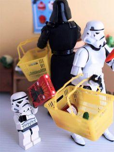 #スターウォーズ 銀河帝国軍一家と一緒に1年を振り返ろう #一家団欒 #家族 #そとがわさん #フィギュア #LEGO #StarWarsEpisodeVII http://japa.la/?p=47801