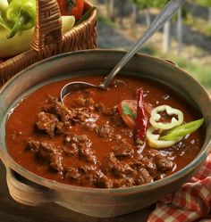 Hungarian Cuisine, Hungarian Recipes, Meat Recipes, Cooking Recipes, Food 52, Original Recipe, Chili, Grilling, Food And Drink