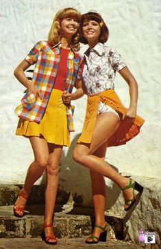 Indie Outfits, 70s Outfits, Vintage Outfits, Fashion Outfits, Normcore Fashion, Vintage Dresses, 70s Inspired Fashion, Retro Fashion, Trendy Fashion
