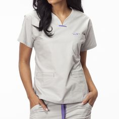 8b5edea5c56 Las 11 mejores imágenes de Iguana Med | Scrub tops, Womens scrubs y ...