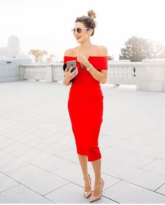 NEW STUNNING INSPIRATION - Red dress! More via @define_haute Picture hellofashionblog #howtochic #outfit #fashionblogger #ootd