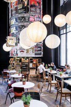 Creative modern coffee shop with high and ball pendants design dubai district cafe interior exterior ideas Bar Deco, Deco Cafe, Café Bar, Design Café, Cafe Design, Design Ideas, Deco Restaurant, Restaurant Design, Restaurant Interiors