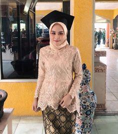 Kebaya Hijab, Kebaya Brokat, Kebaya Dress, Kebaya Muslim, Hijab Dress, Hijab Outfit, Turban Hijab, Disney Wedding Dresses, Hijab Bride