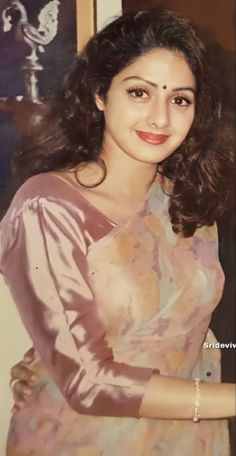 Lovely Girl Image, Girls Image, Beautiful Bollywood Actress, Beautiful Indian Actress, Beautiful Women, Kareena Kapoor Bikini, Saraswati Goddess, Hand Painted Sarees, Indian Natural Beauty