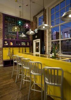 A Retro Bistro Style For Your Kitchen Decor Funky Kitchen, Bistro Kitchen, Eclectic Kitchen, Kitchen Decor, Eclectic Cafe, Purple Kitchen, Loft Kitchen, Eclectic Design, Design Kitchen