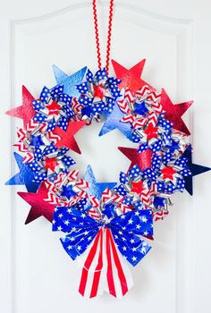 DIY Patriotic Pinwheel Wreath | Design Improvised