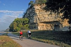 Get on your bike and ride! The Meeting of the Great Rivers Scenic Byway, one of the most scenic stretches of roadway in the Midwest, is cradled by the rolling waters of the Mighty Mississippi River and majestic limestone river bluffs. Follow the road as it winds along the bends of the river through quaint river towns like Elsah and Grafton. Experience the rare finds tucked away where the great rivers meet.