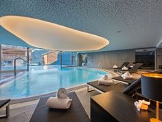 VIP Spas – W Verbier Spa Hotel. Inspiration from SpaGuide on the AWAY SPA at W Verbier Hotel in Switzerland, where you can relax in the height of luxury. Indoor Pools, Indoor Outdoor, Outdoor Pool, Rooftop Pool, W Hotel, Vip Spa, Best Spa, Luxury Spa, Luxury Hotels
