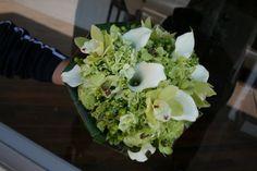 www.flowerhillflowers.com #fhflowers #greenwhitebridalbqt