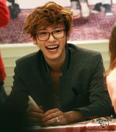 Chanyeol - Oh my god. Chanyeol + Glasses = Perfection :'3 <3
