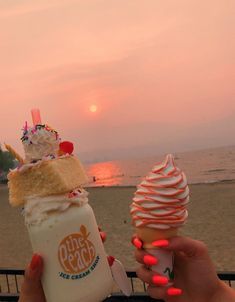 Beautiful sky and ice cream and a cup of milkshake? Cute Food, Good Food, Yummy Food, Think Food, Cute Desserts, Food Goals, Aesthetic Food, Summer Aesthetic, Pink Aesthetic