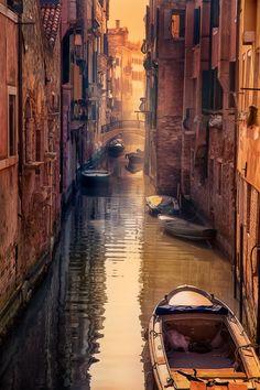 Venetian Morning | Italy (by Marie Otero)