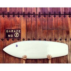 Board on a board. #surfboard#surfers#travel #traveling #TFLers #vacation #visiting #instatravel #instago #instagood #trip #holiday #photooftheday #fun #travelling #tourism #tourist #instapassport #instatraveling #mytravelgram #travelgram #travelingram #igtravel