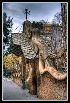Finca Miralles. Gaudi | Canon 40D Objetivo: Tamron 17/50 3 i… | Flickr