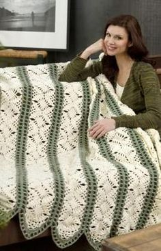 International Crochet Patterns, Dreamy Throw Crochet Pattern