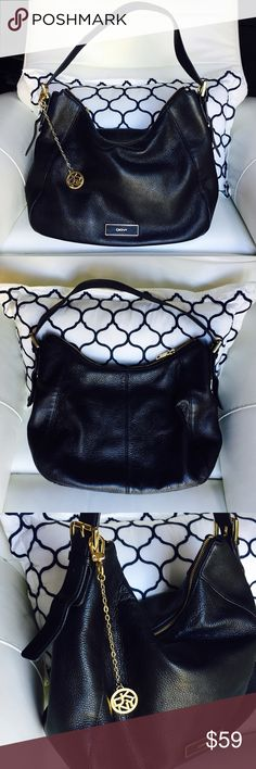 ❤️DKNY HOBO BAG ❤️ lightly used great condition Beautiful Hobo Bag DKNY 💯 % Leather like new inside out ajustable strap inside pockets DKNY Bags Hobos