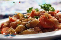 Tocanita de praz cu orez este o mancarica usoara si rapida, pe care o putem servi fie ca fel principal, mai ales daca suntem in perioada postului sau daca preferam preparatele vegetariene, fie ca si garnitura langa orice friptura. Potato Salad, Shrimp, Potatoes, Yummy Food, Meat, Chicken, Cooking, Ethnic Recipes, Drinks