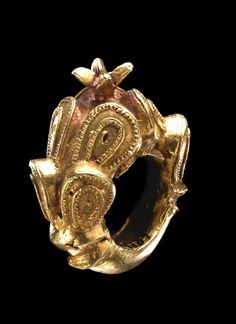 Africa | Ring from the Akan people | ca. 1900 | Gold   ||| {GPA}