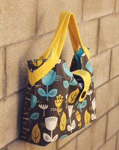 Back to School ~ Laptop Bag | Sew Mama Sew | Outstanding sewing, quilting, and needlework tutorials since 2005.