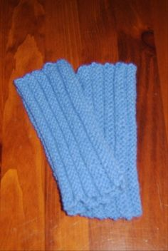 What the heck are muffatees?   Dances with Wools   Tube-like fingerless mitts used indoors before efficient heating