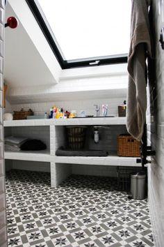 Salle de bain: carreaux ciment