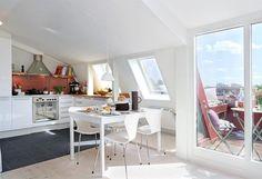 Küche unter Dachschräge gestalten - moderne Idee
