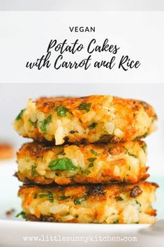Vegan Potato Cakes with Carrot and RiceThanks tellerabgeleckt for this post.Vegan potato cakes made with leftover mashed potatoes, rice, carrots, onions and parsley! These potato cakes are crispy and lovely from the outside, but super soft fr# cakes Tasty Vegetarian Recipes, Vegan Dinner Recipes, Veggie Recipes, Baby Food Recipes, Whole Food Recipes, Cooking Recipes, Vegan For Kids Meals, Easy Vegan Lunch, Vegan Recipes With Potatoes